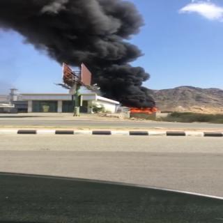 حريق محطة وقود في #بارق يستنفر فرق الدفاع المدني
