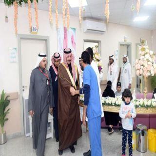 أمير عسير يدشن حملة التطعيم الوطنية  ضد شلل الأطفال بالمنطقة