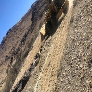 أمانة عسير : تزيل تعديات على أراضي حكومية بمساحة تزيد عن 400 ألف م2
