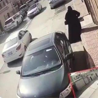 الإطاحة بإمرأتين في الرياض يطرقن أبواب المنازر وتدّعي احداهن بأنها تمثل جهة أمنية