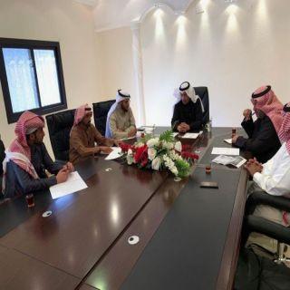 محافظ #تنومة يترأس إجتماع للجنة التنمية السياحية في المحافظة