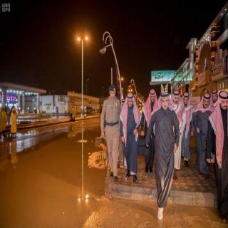 أمير #الجوف يتفقد الإحياء المتضررة ويوجه بمُعالجة تجمعات مياه الأمطار