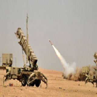 قوات الدفاع الجوي السعودي تعترض صاروخاً بالستياً في سماء #خميس_مشيط