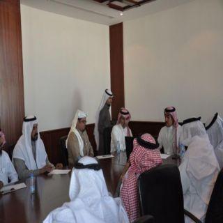 محافظ #خميس_مشيط يستقبل رئيسي مركز وبلدية وادي بن هشبل