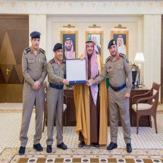 أمير القصيم يتسلم نسخة التقرير السنوي لإنجازات مديرية الدفاع