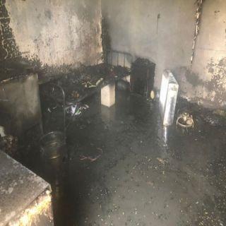 مدني #بريدة يُخمد حريق غرفة عامل بجامع الملك فيصل بحي الفايزية