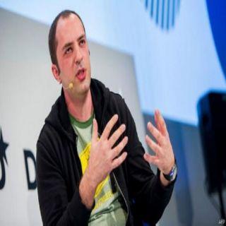 """مؤسس واتساب """"بريان أكتون"""" يدعو لحذف الفيس بوك"""