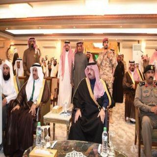 أمير عسير يرعى حفل تخريج الدفعة الـ٢١ من طلاب #جامعة_الملك_خالد .