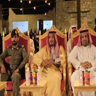 """نيابة عن مُحافظ #بارق """"آل منشط"""" يرعى السمرة البارقية في القرية التراثية"""