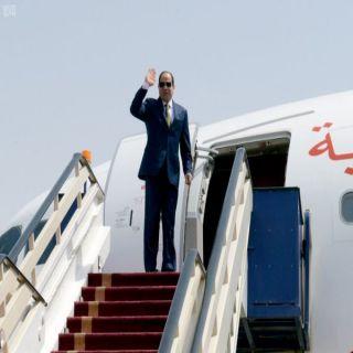 السيسي يُخالف التكهنات ويُغادر للمشاركة في القمة العربية في #تونس