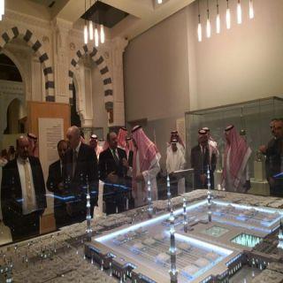 بالصور -رئيس مجلس الأعيان الأردني يزور مركز الملك عبد العزيز التاريخي