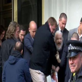 الشرطة البريطانية تُعلن إعتقال موسس موقع (ويكيليكس)