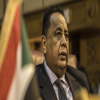 """مُحامٍ سوداني يُقاضي وزير خارجية """"#البشير"""" بتهمة الفساد"""