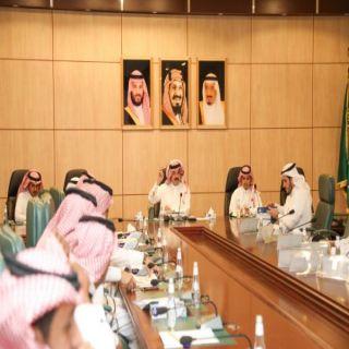 أمير عسير يُشيد بدور بلدية #بارق ويوجه بإنشاء بلدية بمركز المنظر
