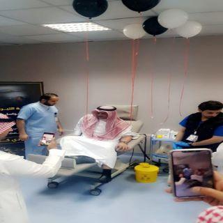 محافظ #النماص يتقدم المتبرعين في مبادرة التبرع بالدم لجنودنا البواسل
