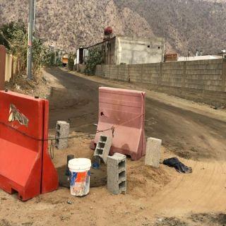 """تجاوباً مع """"وطنيات""""فرع خدمات المياه ببارق يردم نقطة توزيع شبكة المياه بقرى وادي الخير"""