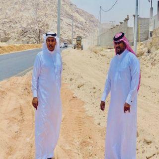 البارقي والمعربي يقفان ميدانياً على مشروع إزدواجية طريق ثلوث المنظر