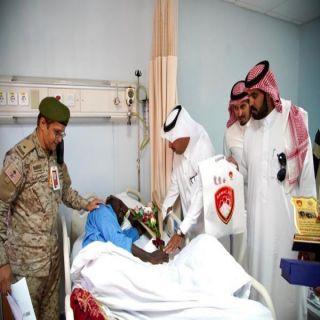 نادي ضمك يزور مُصابي الحد الجنوبي بمستشفى القوات المسلحة في #خميس_مشيط