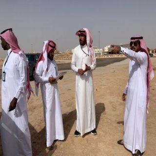 لجنة الحد من ظاهر رمي مُخلفات البناء تُباشر أعمالها ببلدية شرق #عرعر