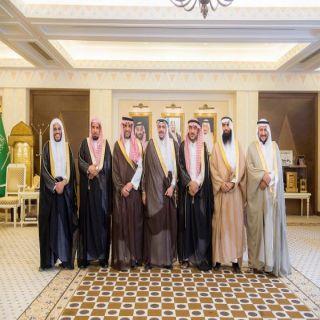 أمير القصيم يستقبل اللجنة الاستشارية للمؤسسة الخيرية للعناية بمساجد الطرق