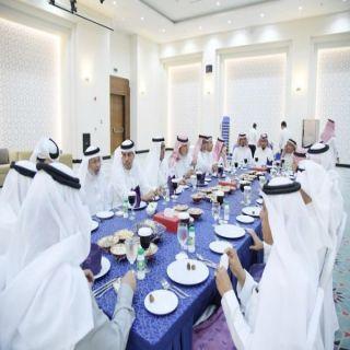 وكيل إمارة #جازان للتنمية يشارك افطار غرفة جازان الجماعي