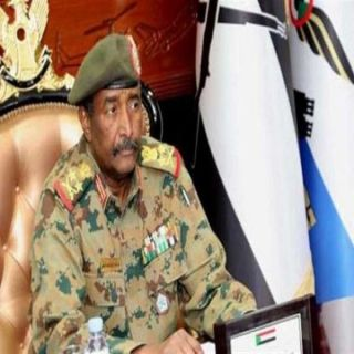 """رئيس المجلس العسكري السوداني """"البرهان""""يصل للقاهرة"""