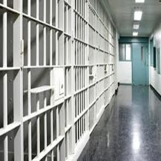 سجون #القصيم تُطلق سراح 35 مستفيداً من العفو الملكي