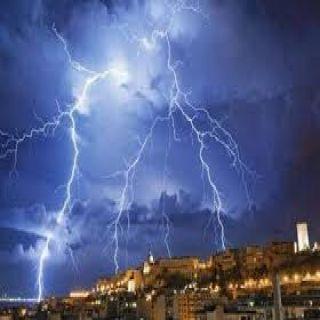 طقس اليوم الأمطار تتواصل على #عسير #مكة #الباحة