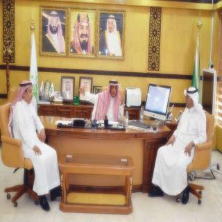 أمين حائل يستقبل مدير شركة الاتصالات السعودية بحائل
