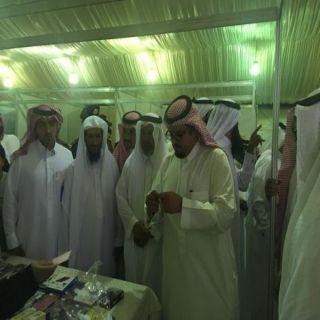 رئيس بلدية #وادي_بن-هشبل وبحضور عدد من رجال الأعمال يفتتح بازار الاسر المنتجة