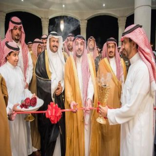 أمير القصيم يفتتح مقر احتفالات أهالي مركز الهلالية ويلتقي في الأهالي