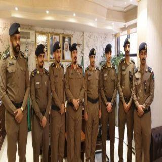 اللواء آل كاسي يقلد عدد من ضباط مدني عسير رتبهم الجديدة