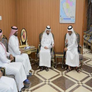 محافظ محايل المكلف يستقبل رئيس وأعضاء شباب الحشان
