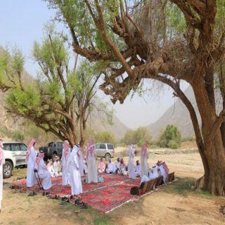 مُحافظ #بارق يدشن مبادرة( منتزهاتنا الطبيعية كذا أجمل )بوادي الخانق