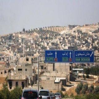 """اشتباكات """"دموية"""" في إدلب.. و خان شيخون تحت القصف"""