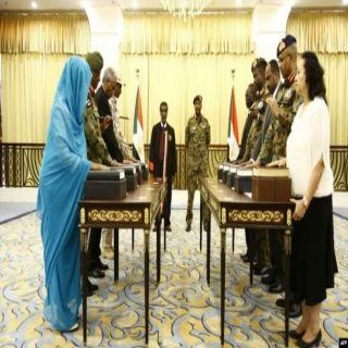 حمدوك يختار14 عضواً في الحكومة السودانية الجديدة وأنباء عن إمرأة في وزارة الخارجية