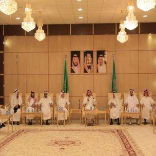 """بارق تستعد لإحتفالات اليوم والوطني و""""البناوي"""" يجتمع برؤساء المراكز ومُدراء الإدارات ومشائخ القبائل"""
