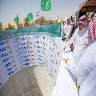 الأمير فيصل بن مشعل يتفقد مشروع الحفر النفقي لنقل مياه الصرف بمدينة بريدة