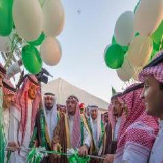 """الأمير فيصل بن مشعل يدشن حافلة """"السينما الوطني"""" التابعة لتعليم المنطقة بمدينة بريدة"""