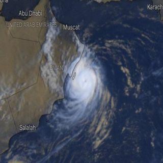 """أعصار """"هيكا""""يصل للدرجة الثانية وتحذيرات من إحتمال وصوله ساحل عُمان"""