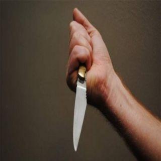 زوج يقتل زوجته ضرباً وطعناً في #جازان ويفر هارباً فيقتله اصطدامه بجدار