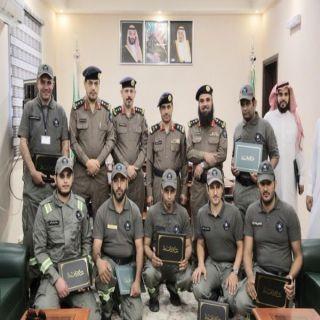 مُدير مدني #القصيم يستقبل متطوعي الدفاع المدني الذين منحوا نوط الحج