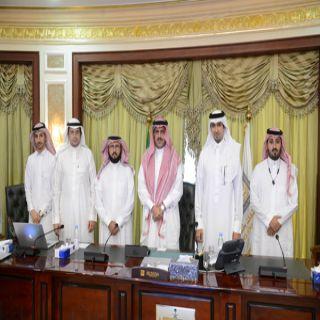 مدير #جامعة_الملك_خالد يدشن الحزمة الثانية من الخدمات الإلكترونية لوكالة الشؤون التعليمية