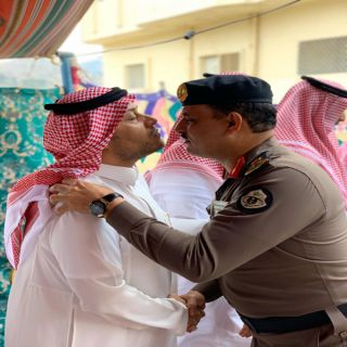مُدير شرطة #الباحة يُعزي في فاة والدة المهندس ابراهيم علي الغامدي