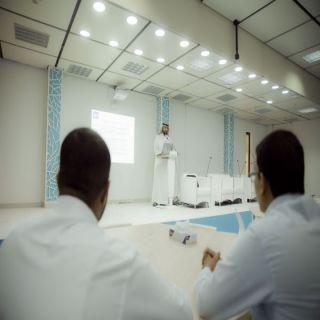 """مكتب شؤون الخريجين بجامعة القصيم يُقيم دورة """" كيف تستخدم شبكة لينكد ان بفعالية"""""""