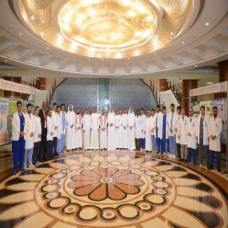 مدير #جامعة_الملك_خالد يشهد افتتاح حملة طب الأسنان التوعوية والتثقيفية والعلاجية