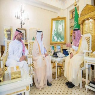 سمو أمير  القصيم يلتقي فارس بن حزام مُدير قناة الإخبارية