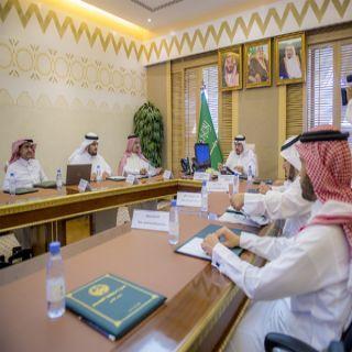 سمو أمير القصيم يستقبل رئيس وأعضاء لجنة جائزة التوطين