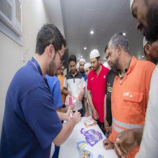 """#جامعة_القصيم تُطلق حملة «صحتك تهمنا""""تستهدف عمال النظافة بمدينة بريدة"""