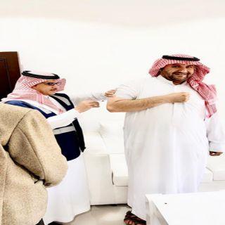 """""""العنزي"""" يُدشن حملة التطعيم ضد الإنفلونزا  الموسمية بعرعر"""